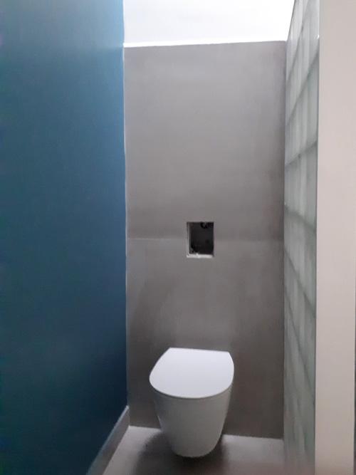 WC2 pav bleu